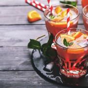 Kreative Cocktails passend zur Jahreszeit. Mit und ohne Alkohol.